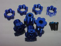 Traxxas 17mm Wheel Hubs and Splined Nuts (Blue Alloy)